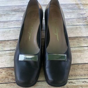 Salvador Ferragamo Boutique Leather Flats sz8.5